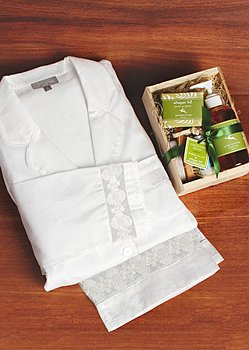 luxury cotton pj and spa kit