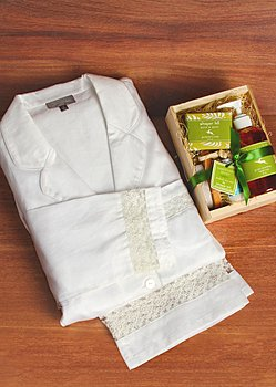 Sun Sowers Cotton PJ with Spa Gift Basket