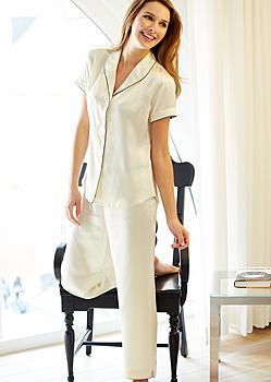 fine silk short sleeve pajamas