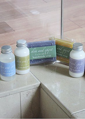 luxury travel size bath and body