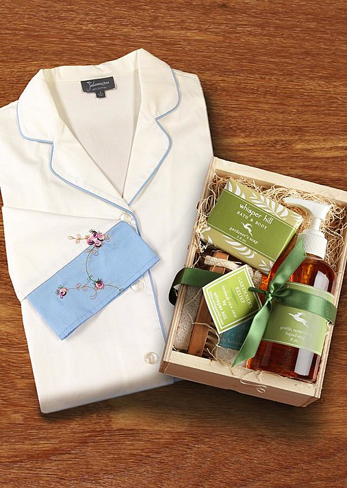 Sweet Dreams Sleepshirt and Spa Kit