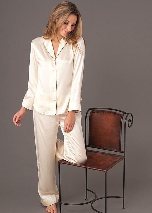Natalya Silk Pajama and Spa Gift Set - Gift for Her  4e1648e20